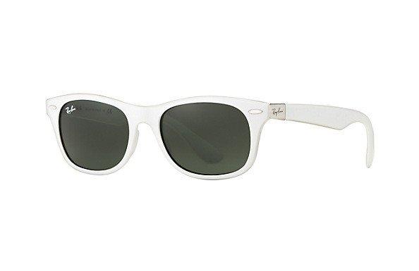 b7274f00fa Ray-Ban Sunglasses New Wayfarer Liteforce RB4207 - 609671