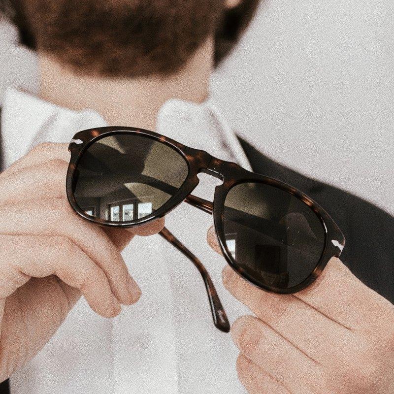 Okulary przeciwsłoneczne Hawkers kup w korzystnej cenie na